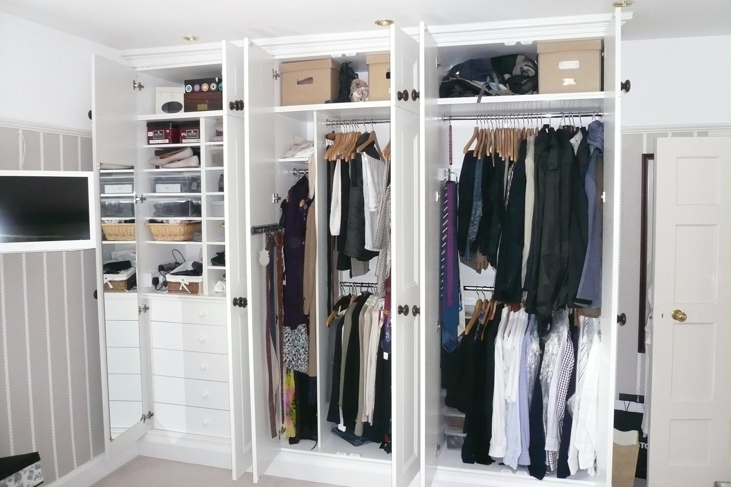 Fitted Wardrobes - Bristol Bookcase Company
