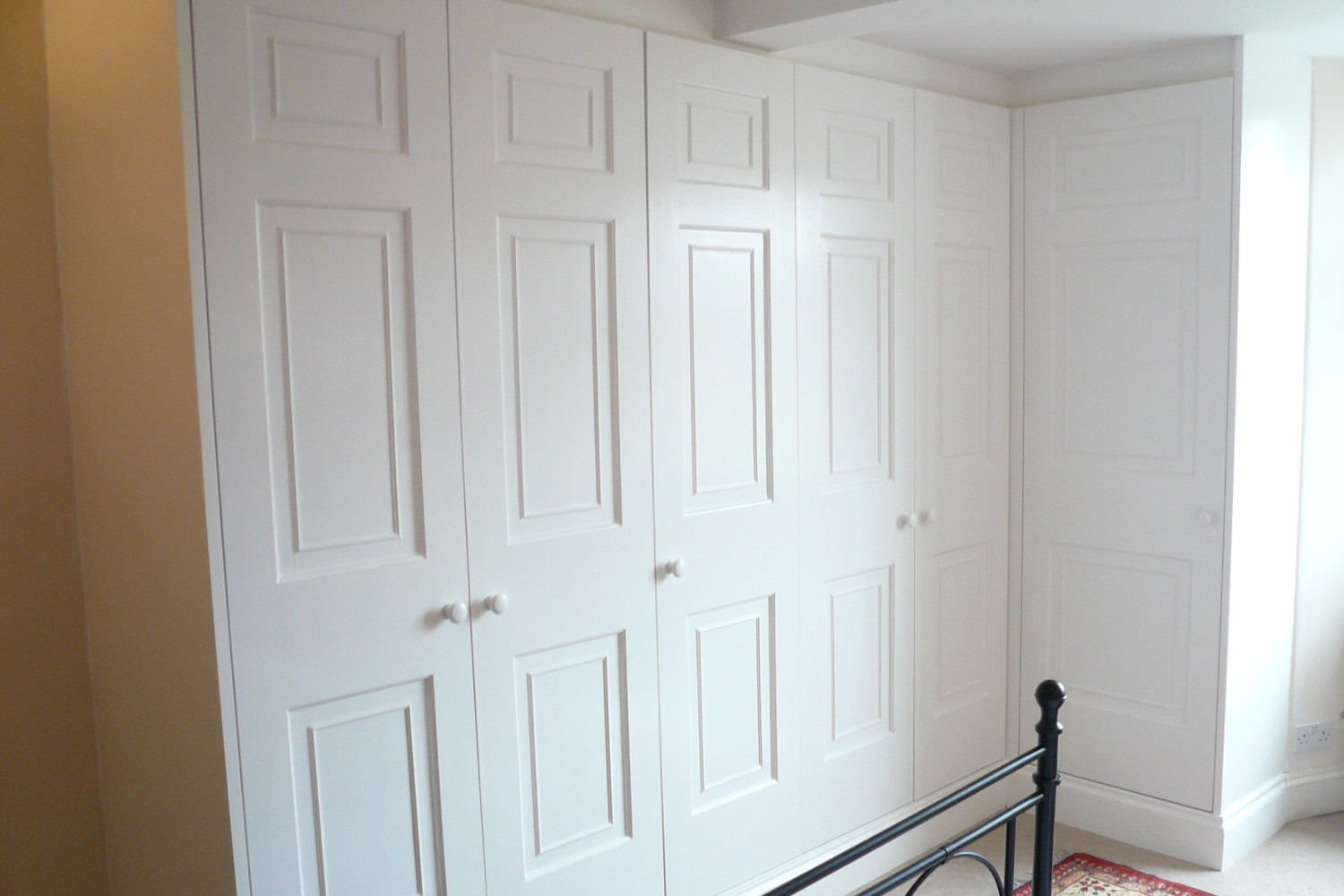 Beautiful fitted wardrobes - Bristol Bookcase Company